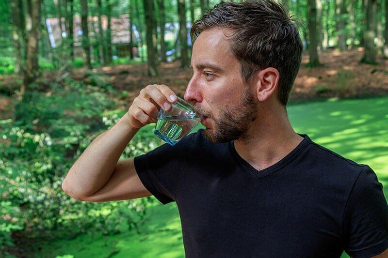 Gefilterd slootwater drinken