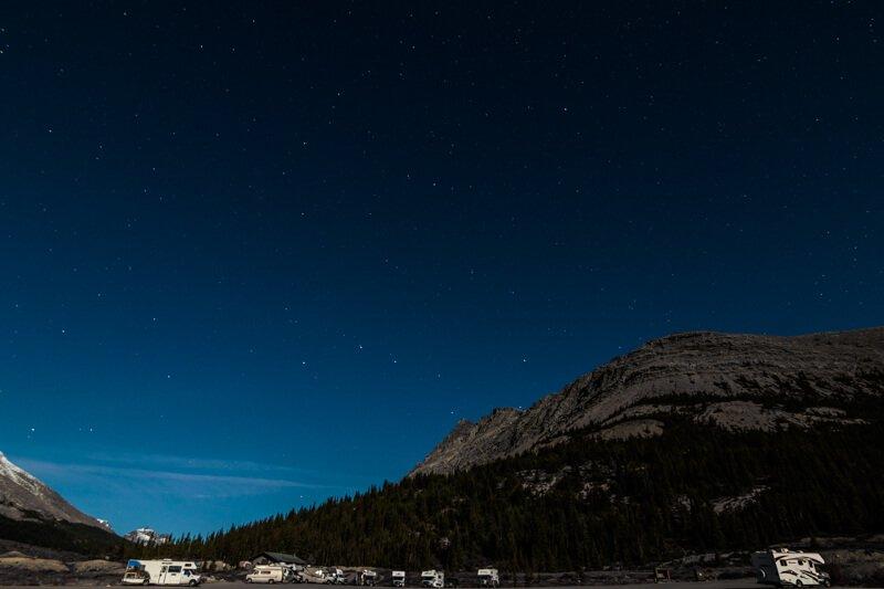 Overnachten aan de voet van Athabasca Glacier