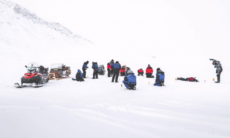 Ijsvissen en lasso werpen op Saanajärvi