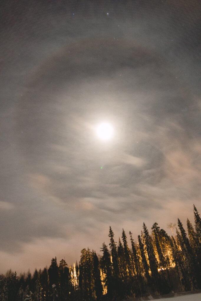 Corona maan